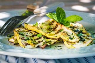 Zucchine grigliate: la ricetta del contorno leggero ideale per l'estate