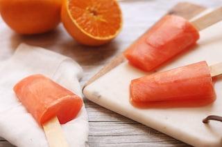 Ghiaccioli allo spritz: la ricetta del dessert fresco per l'aperitivo
