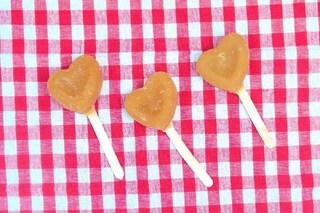 Lecca lecca fatti in casa: la ricetta dei dolcetti di zucchero ideali per i bambini