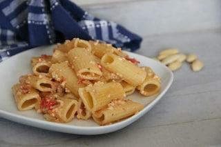 Rigatoni con pesto di pomodori secchi: la ricetta rustica e originale