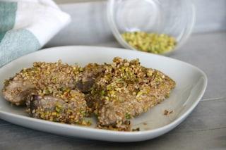 Tonno in crosta di pistacchi: la ricetta del secondo sfizioso e leggero
