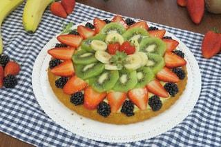 Torta di frutta: la ricetta del dolce fresco e colorato con base soffice