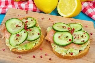 Avocado toast: la ricetta dello spuntino gustoso e di tendenza