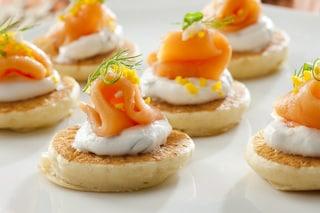 Canapè: la ricetta delle tartine mignon ideali per i buffet