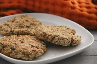 Hamburger di quinoa: la ricetta salutare e veloce