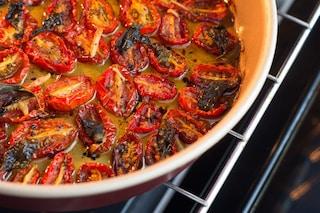 Pomodorini confit: la ricetta per fare i pomodori caramellati
