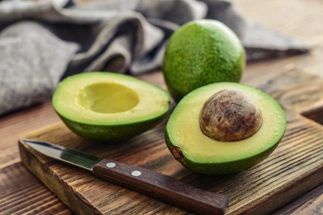Come si mangia l\'avocado: i trucchi per sceglierlo e gli abbinamenti ...