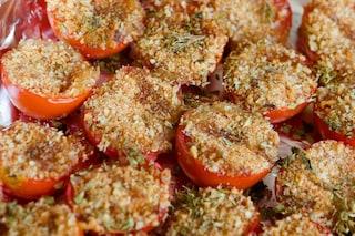 Pomodori gratinati al forno: la ricetta facile e saporita