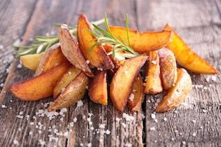 Patate in padella: come farle morbide dentro e croccanti fuori