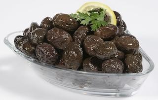 Olive sotto sale: come conservarle e gustarle tutto l'anno