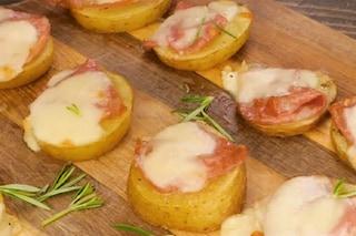 Pizzette di patate: la ricetta dell'antipasto pratico e sfizioso