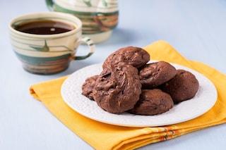 Biscotti al burro e cioccolato: la ricetta dei dolcetti facili e gustosi