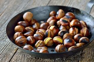 Caldarroste: la ricetta per prepararle in padella a casa