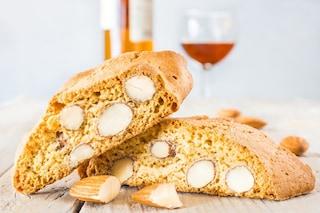 Cantucci: la ricetta dei biscotti tipici toscani con mandorle