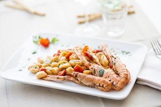 Gnocchi di patate con gamberi e pachino: il primo piatto a base di pesce e pomodorini