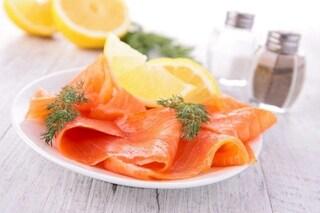 Come scegliere il salmone affumicato da portare in tavola