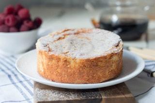 Torta cremosa di ricotta: la ricetta della torta soffice e facile da fare