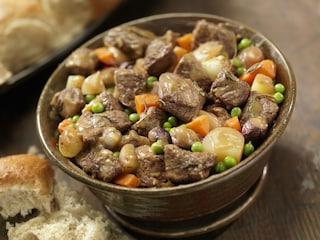 Spezzatino con piselli: la ricetta facile per un piatto della tradizione