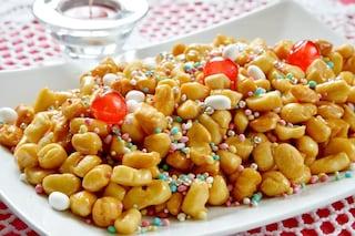 Struffoli al forno: la ricetta della versione leggera dei dolci natalizi