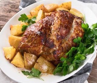 Arrosto di maiale al forno: la ricetta preparata con la lonza