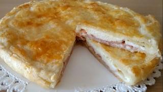 Torta salata prosciutto e formaggio: la ricetta della pizza rustica facile e veloce