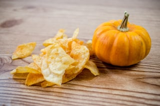 Chips di zucca: la ricetta da fare al forno