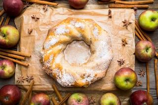 Ciambellone alle mele: la ricetta del dolce soffice