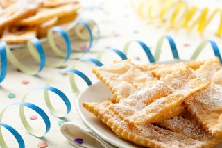 Chiacchiere senza uova: la ricetta per prepararle leggere e friabili