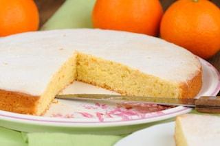 Torta all'arancia morbidissima: la ricetta facile e irresistibile