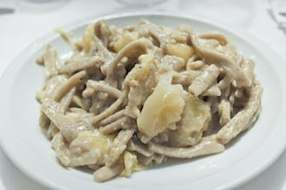 Pizzoccheri con patate e formaggio: la ricetta del primo piatto cremoso