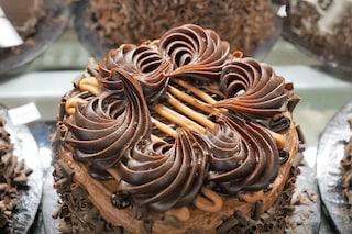 Crema pasticcera al cioccolato: la ricetta ideale per farcire torte e bignè