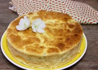 Pan di spagna salato: la ricetta ideale da farcire per le vostre feste