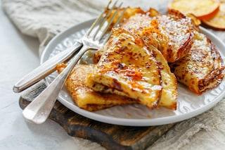 Crepes alla marmellata di arance: la ricetta del dolce per colazione
