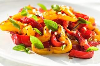 Peperoni arrostiti: la ricetta veloce e come spellarli