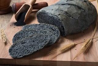 Pane al carbone vegetale: la ricetta del pane digeribile da preparare a casa