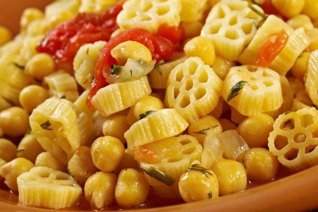 Ciceri E Tria La Ricetta Della Pasta E Ceci Come Si Cucina In Puglia