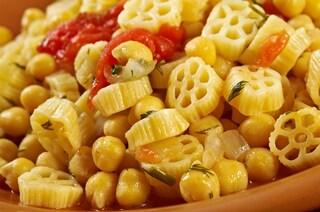 Ciceri e tria: la ricetta della pasta e ceci come si cucina in Puglia