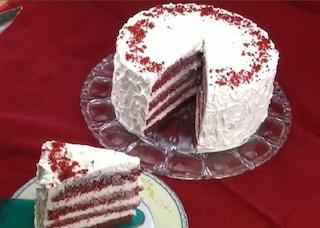 Red velvet cake: la ricetta della torta americana golosa e spettacolare