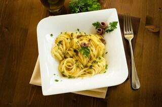 Vermicelli con acciughe: la ricetta del primo piatto semplice e saporito