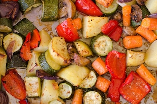 Verdure gratinate al forno: la ricetta del contorno semplice e versatile
