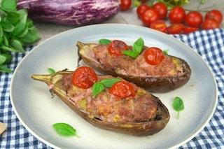 Melanzane ripiene di carne: la ricetta fatta al sugo