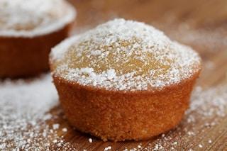 Muffin al limone: la ricetta dei dolcetti profumati e soffici