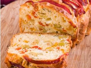 Plumcake peperoni e olive: la ricetta del rustico sfizioso