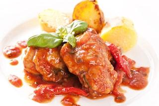 Pollo alla cacciatora con peperoni: la ricetta del secondo gustoso
