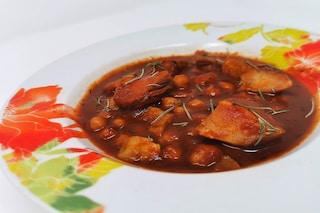 Baccalà con i ceci: la ricetta veloce per un piatto di pesce sfizioso