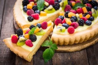 Crostata alla frutta primaverile: la ricetta del dolce fresco di stagione