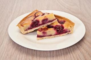 Crostata crema e amarene: la ricetta del dolce di pasta frolla goloso e delicato