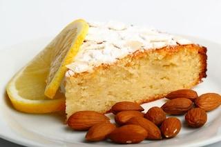 Torta al limone e mandorle: la ricetta del dolce soffice e profumato