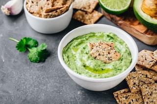 Hummus di avocado: la ricetta alternativa della crema golosa e facile da preparare