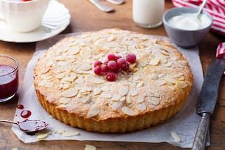 Bakewell tart: la ricetta del dolce inglese con crema frangipane alle mandorle